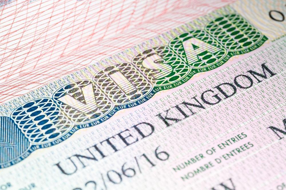 Великобритания выдаст 5000 виз дальнобойщикам